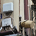 Patrimoine normand en péril/26: A <b>Bernay</b>, les façades historiques sont défigurées par le numérique!
