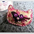 broche chat rose
