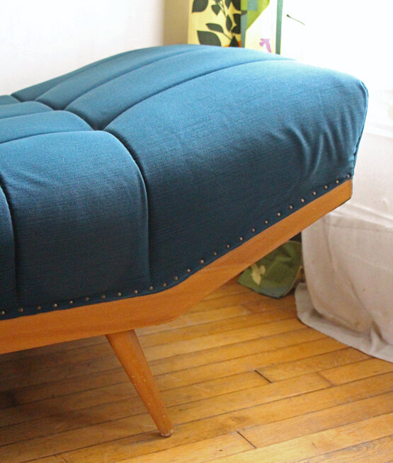 daybed-annees-50-bleu-petrole-detail