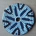 <b>frisbee</b> bleu clair et bleu foncé
