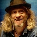 Jimbo mathus - in the garden