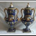Paire de vases monumentaux en faïence Gien Renaissance
