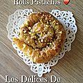 Baklawa rolls pistaches