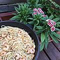 Plat complet : spaghettis aux crevettes à l'ail et au basilic