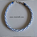 Spirales en blanc et bleu