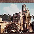 Uzes - cathédrale reconstruite - tour Fénestrelle