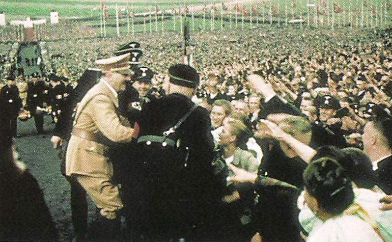 photo culte de la personnalité Hitler