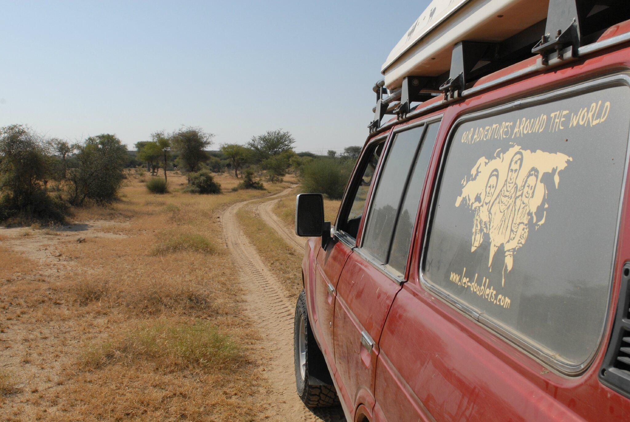 piste dans le desert du thar, region Jaisalmer