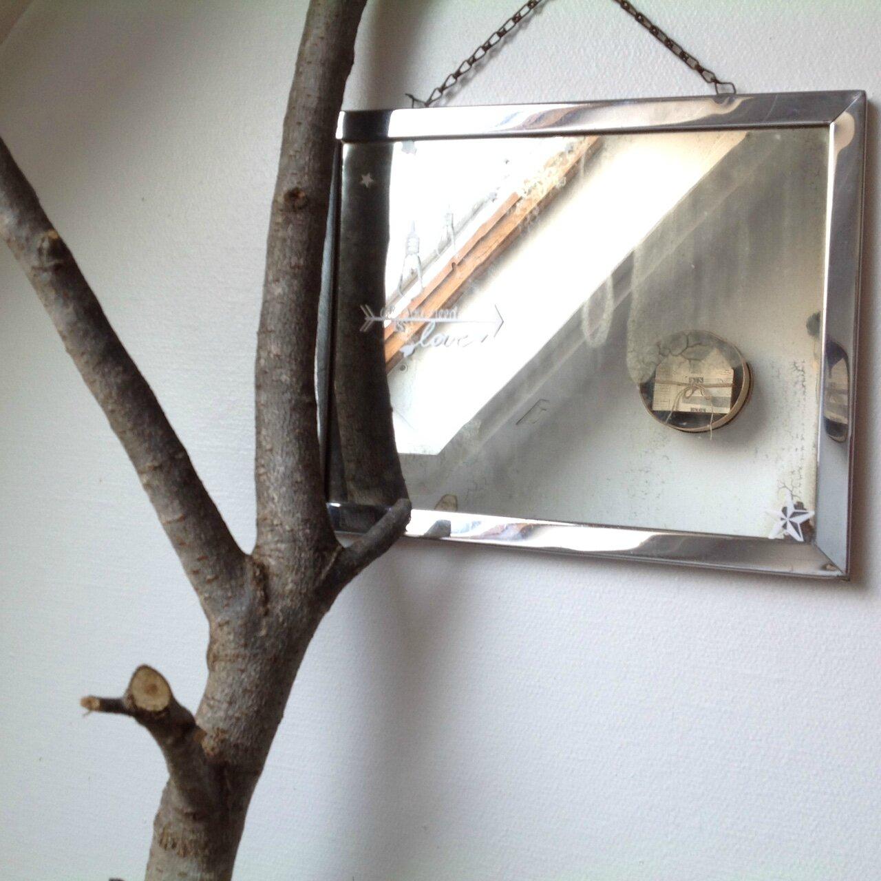 Ancien miroir de barbier - all you need is love ..❤