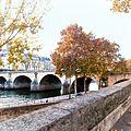 B374 - paris, le pont marie automne 2011