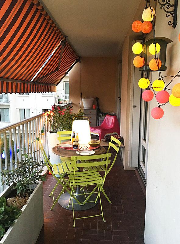 balcon-decoartion-fermob-la-case-de-cousin-paul-ma-rue-bric-a-brac