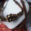 collier herrigbone brun et or
