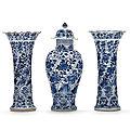 A <b>five</b>-<b>piece</b> blue and white <b>garniture</b>, Kangxi period (1662-1722)