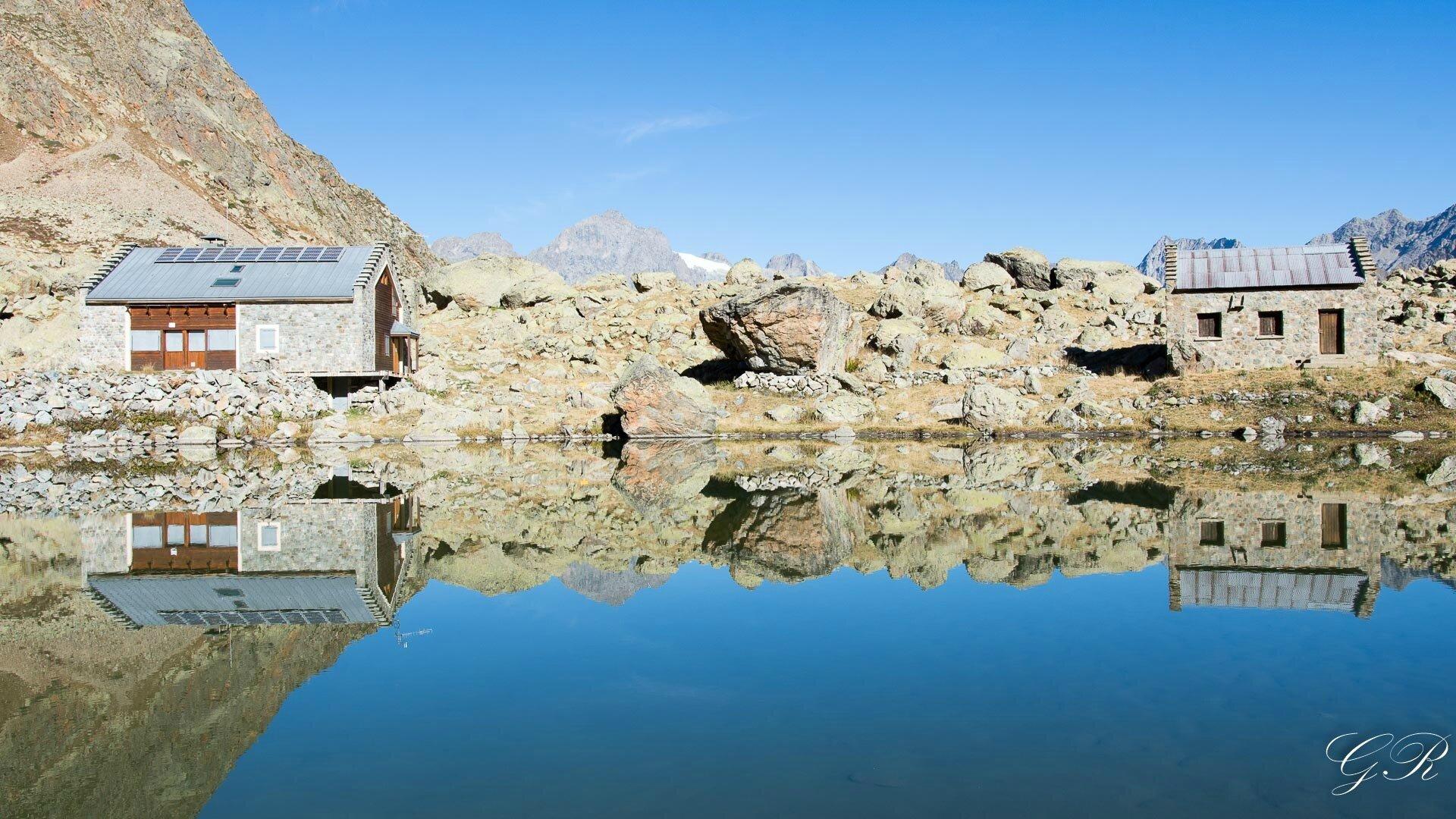 001 Refuge et lac de Vallonpierre