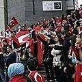 Paris : heurts entre kurdes et turcs place de la bastille