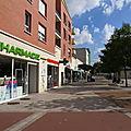 Centre commercial Haut de Clamart, coté logements sociaux.