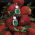 Impressive <b>and</b> fine pair of 10.73 <b>and</b> 9.52 carats <b>Colombian</b> <b>emerald</b> <b>and</b> <b>diamond</b> <b>pendent</b> <b>earrings</b>