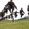 Une petite image de nos chers flics quelque part en afrique