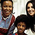 Behind-The-Scenes-of-Free-To-Be-You-And-Me-michael-jackson-34560716-399-263