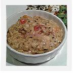 Oeufs brouillés tomates cerises, tartines de pain d'épices à l'orange et scamorza