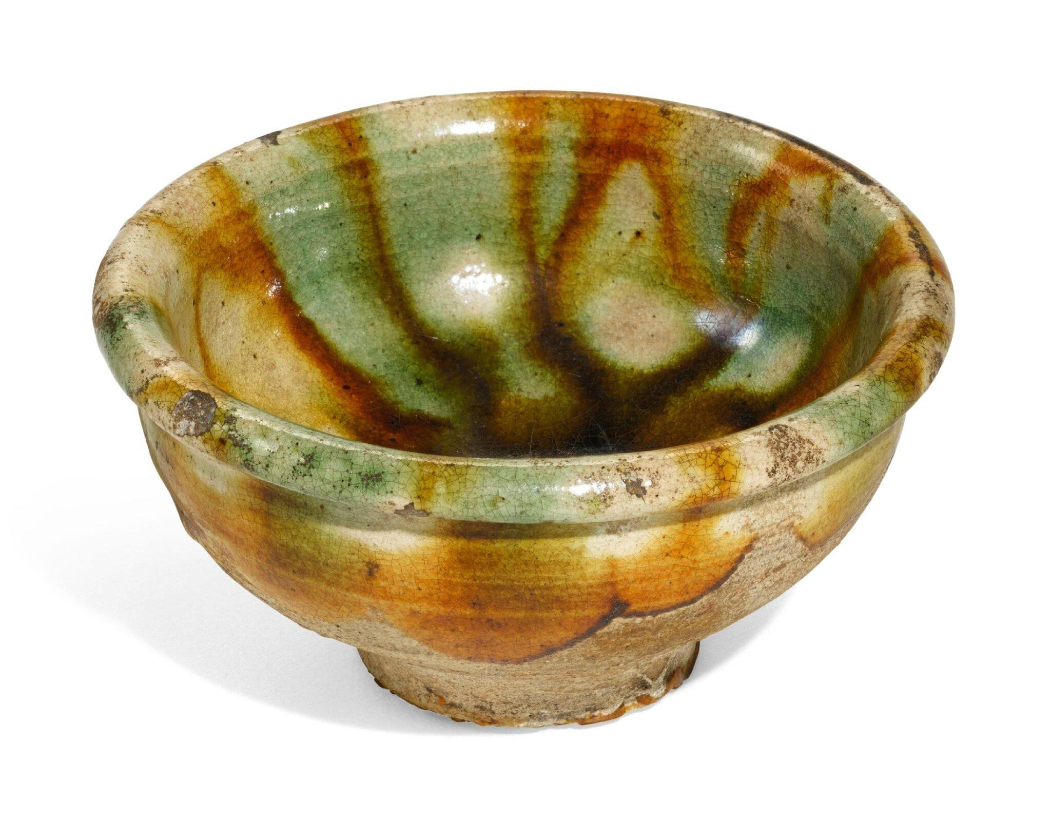A sancai-glazed pottery cup, Tang dynasty (618-907)