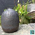 09-vase brun