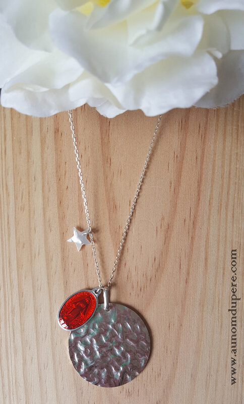 Sautoir de la médaille miraculeuse GM (rouge) - 69 € sur chaîne 80 cm ; 64 € sur chaîne 60 cm