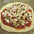 Pizza poivron, poulet, champignons et mozzarella!