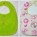 Bavoir réversible pour fille printanier en vert et rose avec chats