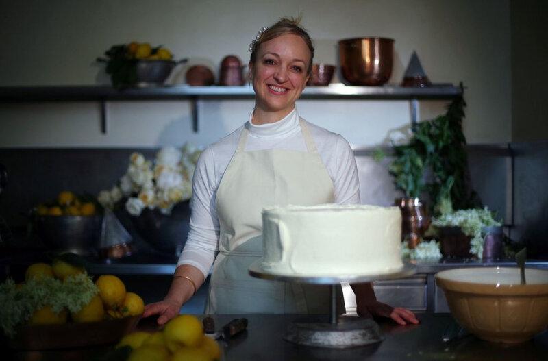 claire-ptak-chef-patissiere-proprietaire-violet-bakery-hackney-met-touche-finale-gat_exact1024x768_l