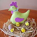 Décoration de Pâques...Feutrine: Ma cocotte...