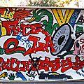 Bâche peinte Espace Jeunes Charleval 2006 - Décor graph - Peinture acrylique - Animation jeunesse