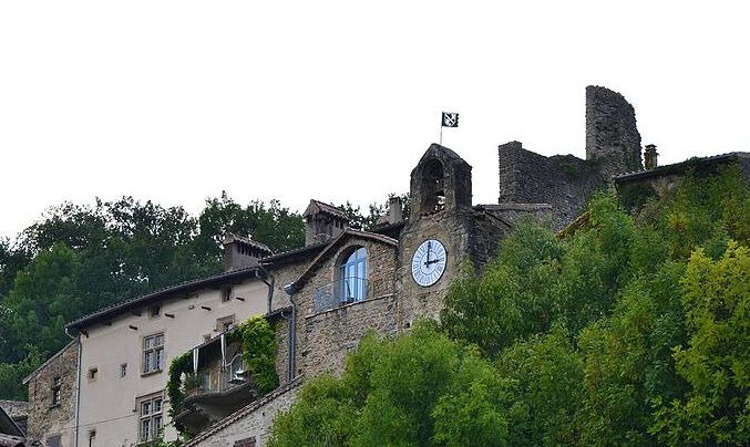 Beffroi et ruines du chateau1