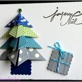 Carte de noël avec sapin en origami et cadeau
