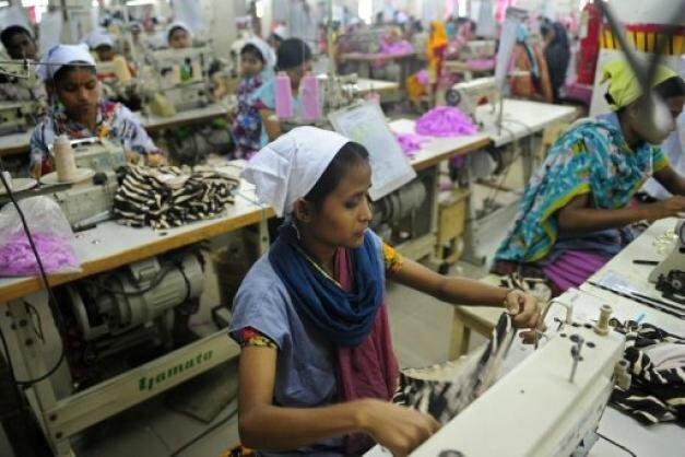 ouvriere du textile pakistan-418-3078583