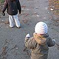 Deux bonnets et une paire de gants