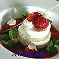 Panna cotta vanille bourbon, meringue, fraise et douceur de citron vert