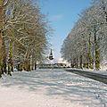 l'église St. Aubin sous la neige