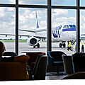 Nouveau Mazurek Business <b>Lounge</b> pour LOT Polish AirLines à Varsovie.