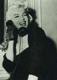1955-01-26-ny-gladstone_hotel-on_phone-1-2
