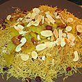 Chaaria (recette marocaine) ou vermicelles de pâtes, sauce aux raisins secs et amandes effilées