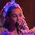 Miley cyrus - twinkle song - s41e1 (03/10/2015)