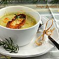 Soupe gratinée à l'oignon et au miel