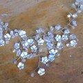 collier fleuri detail
