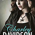 Charley <b>Davidson</b> tome 7: Septs tombes et pas de corps de Darynda Jones.
