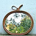 Miroir en rotin forme pomme