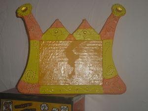 couronne orange et jaune