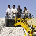 Le coton bt de monsanto détruit la terre et les agriculteurs