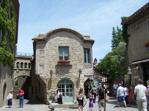 Carcassonne-place de l'église