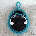 pochette-lecteur-mp3-crochet-03
